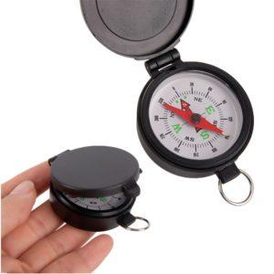 Портативный компас с линзами